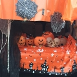 Pumpkins-spiderwebs-skulls